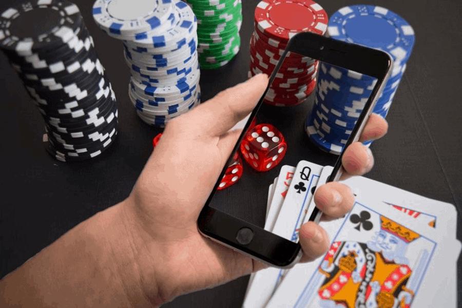 Những thủ thuật giúp bạn chinh phục dễ dàng game Poker