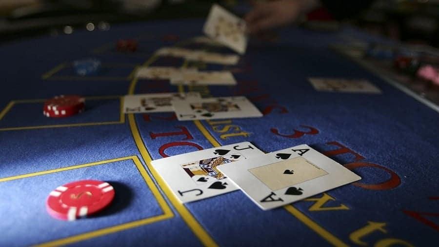 Chi tiet tat tan tat ve bai Xi to Poker