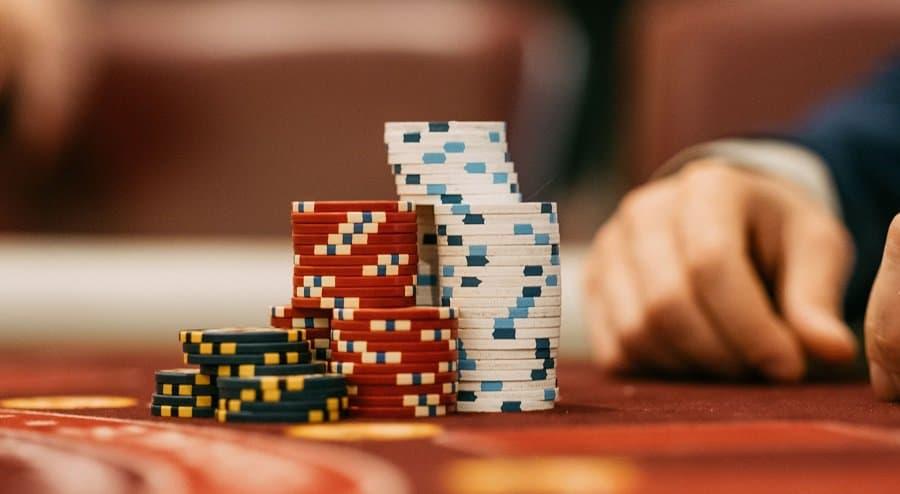 Phá giải cách chơi xì tố Poker