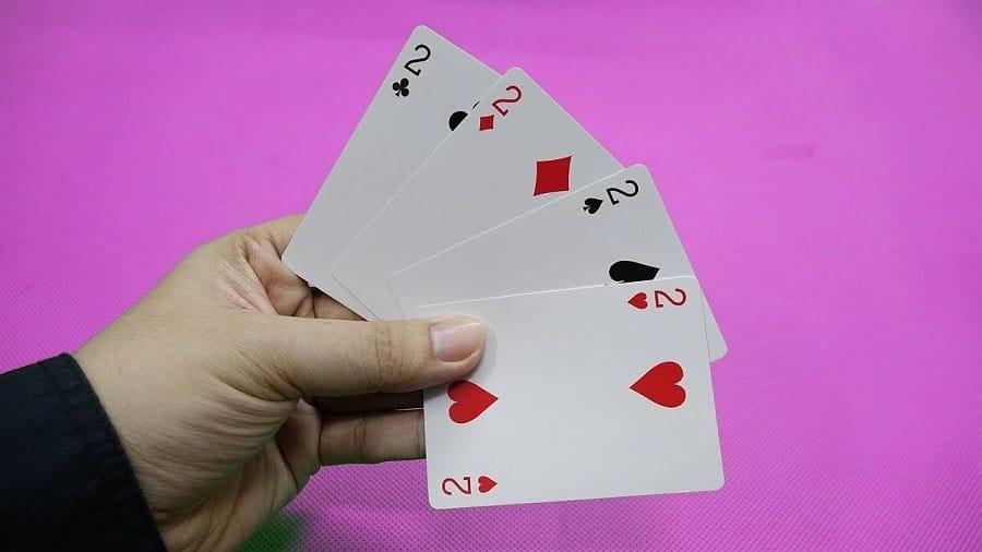 Những mẹo chơi dành cho trò đánh bài Ba cây