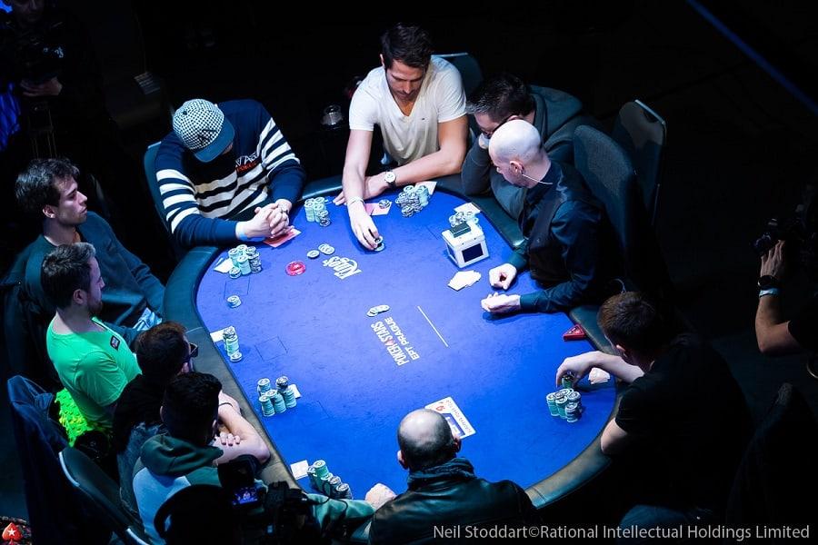 Doi dieu ve tro choi Poker cung mot bien the dac biet?