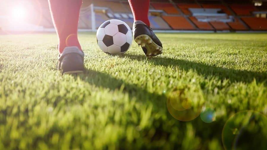 Người chơi có nên từ bỏ cá cược bóng đá không?